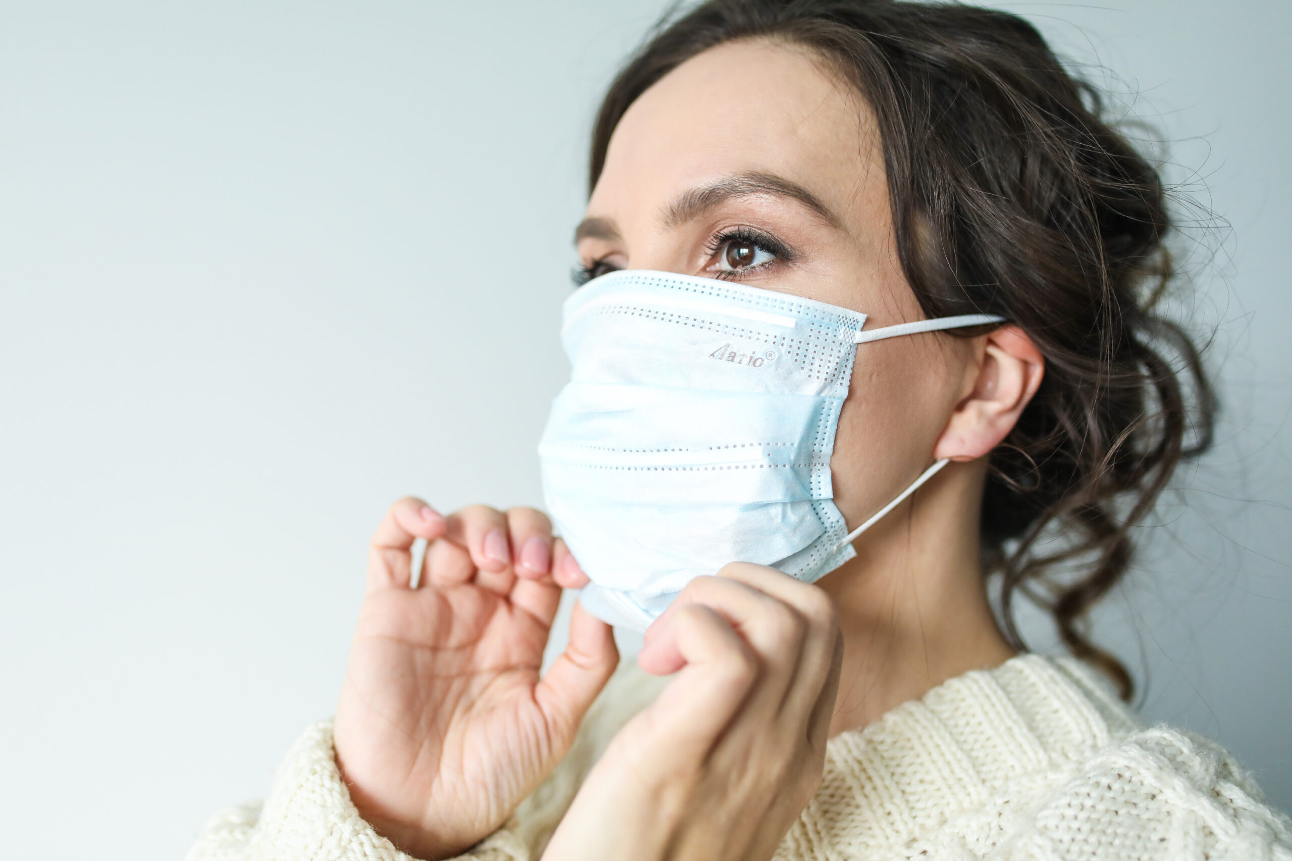 Maskne: 5 ways to avoid breaking out under your face mask