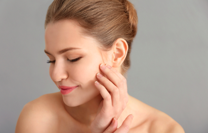 How does diet affect the skin?